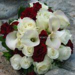 Νυφική Ανθοδέσμη με λευκές Κάλες και Τριαντάφυλλα