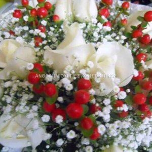 λευκα τριανταφυλλα με χιπερικουμ