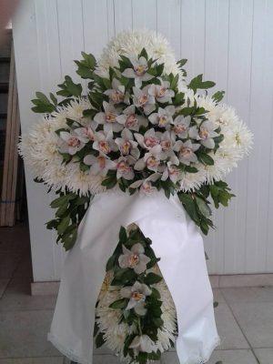 Στεφάνια κηδείας με ορχιδέες