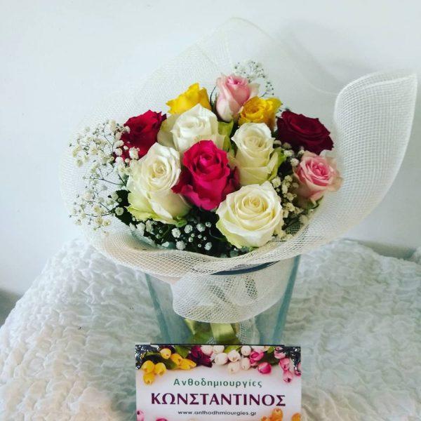 μπουκέτο με τριαντάφυλλα