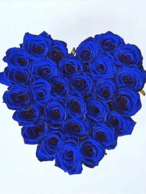 Голубые розы навсегда в коробке сердца в Салониках