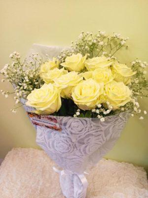Ανθοδέσμη με 10 Λευκά Τριαντάφυλλα
